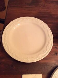 4 white plates and Italian bowl West Island Greater Montréal image 2