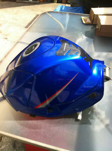 GSXR1000 SUZUKI 07-08 FUEL GAS TANK COMPLETE WITH FUEL PUMP Windsor Region Ontario image 2