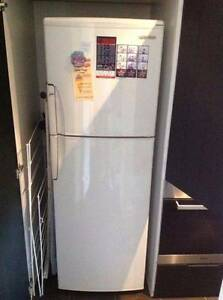 excellent hitachi 230L Fridge/Freezer Frost free CAN DELIVERY Abbotsford Yarra Area Preview