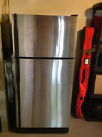 Refrigerator (GE) 18 Cu. Ft. (Stainless)