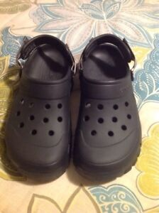 Men's Crocs - Black -size 10-12