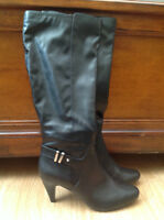 Boots,Brand New Still in Box   Size 8.5