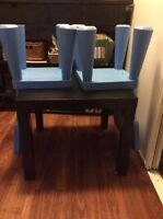 Side table/kids table +chairs