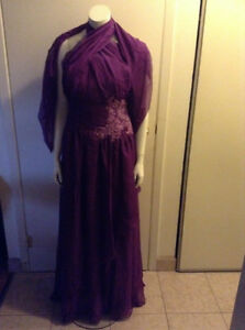 **BEAUTIFUL PURPLE FORMAL DRESS BRAND NEW 10-12** Kitchener / Waterloo Kitchener Area image 2