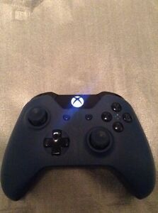 Xbox One MINT* 2 Controllers & 6 Games  Cambridge Kitchener Area image 3