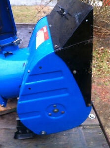 YAMAHA YS624 FRONT SCOOP WITH THE AUGER Windsor Region Ontario image 6