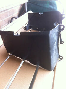HONDA TRX250R FOURTRAX RADIATOR SHROUD & RUBBER MUD GUARD Windsor Region Ontario image 1
