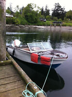 Beautiful Classic 15' runabout,100 hp Johnson V4 plus 6hp kicker
