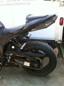 HONDA CBR600RR 2008 WITH ONLY 2900 MI PARTING IT OUT NEW TIRES Windsor Region Ontario image 3