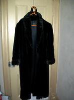 Ladies Plus sized Faux Fur Coat! New Cond. sz 18-20 Gorgeous!