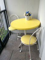 Ice Cream Parlour Table w/two chairs