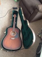 Art & Lutherie Acoustic Guitar with solid case