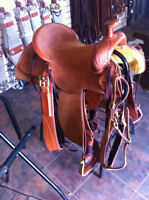 CUSTOM MODIFIED ASSOCIATION SADDLE WITH WADE CANTLE BRAND NEW