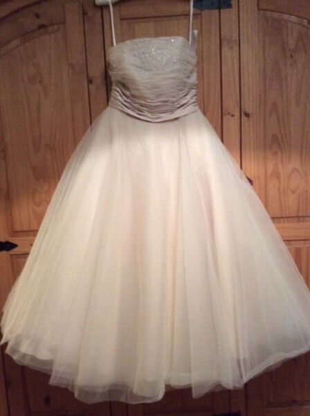 New champagne tea length wedding dress in retford for Champagne tea length wedding dresses