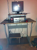 HP desktop with table