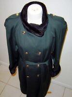 Manteau tailleur maxi de laine style militaire- émeraude et noir