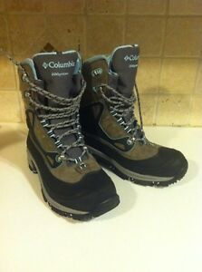 Size 9 - Columbia Bugathermo Ladies Winter Boots