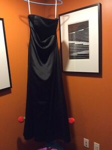 Long Black David's bridal formal dress - size 14 London Ontario image 1
