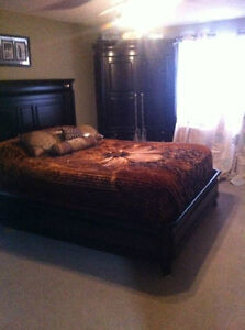 Top of the line-Heavy duty Queen Set-price drop 3000, moving!!!
