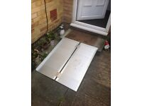 Foldable Wheelchair / Bike Ramp - with handle