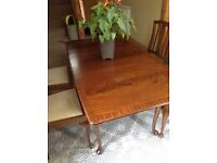 Compact solid hardwood extending Queen Anne table + 4 chairs