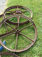 4 Antique Metal Wagon Wheels 34 Inches
