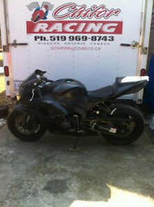 HONDA CBR600RR 2008 WITH ONLY 2900 MI PARTING IT OUT NEW TIRES Windsor Region Ontario image 8