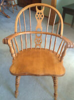 Solid Maple Dining Room Table & Chairs