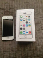 iPhone 5S 16GB Silver - Mint - Factory Unlocked