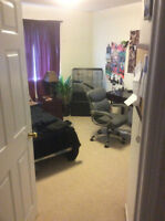 Rooms for Rent in Modern Townhouse - student or working