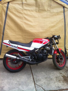 YAMAHA RZ350 86 PARTING OUT SOME PARTS WILL FIT THE 85-90 RZ350 Windsor Region Ontario image 2