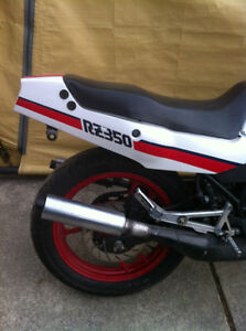 YAMAHA RZ350 86 PARTING OUT SOME PARTS WILL FIT THE 85-90 RZ350 Windsor Region Ontario image 4
