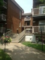2 bedroom apartment on Lakeshore in Dorval
