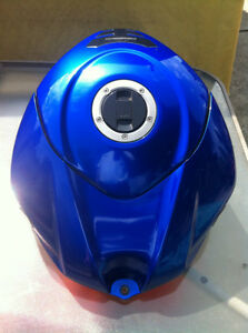 SUZUKI GSXR1000 07-08 COMPLETE SET OF BODY WORK W THE FUEL TANK Windsor Region Ontario image 10