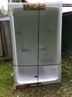 Shower unit with roof