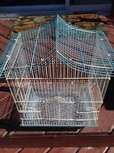 Bird cage in 25$ no negotiations call me with bowl
