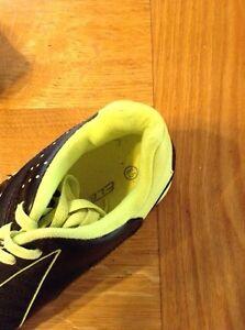 Men's size 8.5 Indoor soccer shoes