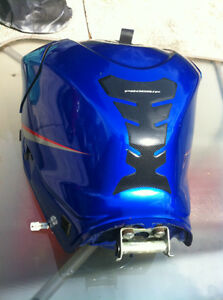 GSXR1000 SUZUKI 07-08 FUEL GAS TANK COMPLETE WITH FUEL PUMP Windsor Region Ontario image 4