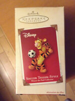 Hallmark Keepsake Ornament - Winnie The pooh collection