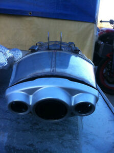 TRIUMPH DAYTONA 675 2006-08 OEM EXHAUST CAN, HEAT SHIELD & ELBOW Windsor Region Ontario image 5