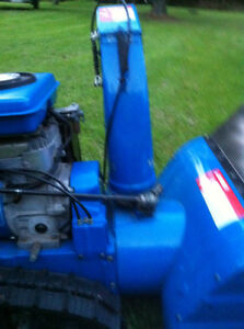 YAMAHA SNOWBLOWER THROWER YS624 WITH  STEEL TANK AND TRACKS Windsor Region Ontario image 6