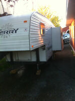 1999 TERRY FIFTH WHEEL ULTRA LIGHT WITH SLIDE , HALF TON TOWABLE