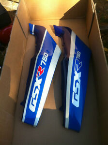 GSXR750 SUZUKI 88-90 OEM/STUCK LH & RH TAIL SECTIONS Windsor Region Ontario image 1