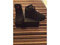 Black Nike Jordan's Size 5