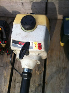 5 WEED WACKER EATER FOR SALE TO FIX OR FOR PARTS Windsor Region Ontario image 6