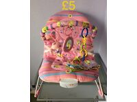 Vibrating and musical Bouncy chair