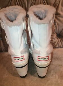 LIKE BRAND NEW HUNTER BOOTS WHITE WITH FAUX FUR TRIM SIZE 9.5 Oakville / Halton Region Toronto (GTA) image 2