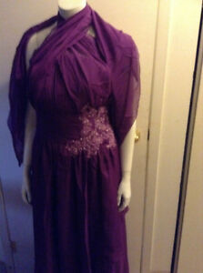 **BEAUTIFUL PURPLE FORMAL DRESS BRAND NEW 10-12**
