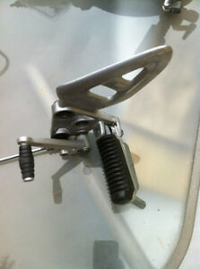 99-07 HYABUSA GSX1300R FRONT FOOT PEGS AND BRACKETS COMPLETE Windsor Region Ontario image 9