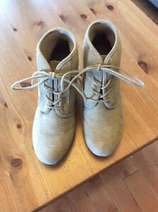 Reduced - American Eagle ladies boots